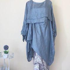 Bebatikan Jogja added a new photo. Batik Fashion, Hijab Fashion, Women's Fashion, Model Kebaya Modern, Brokat, Batik Dress, Kaftan, Diy Clothes, Mother Of The Bride