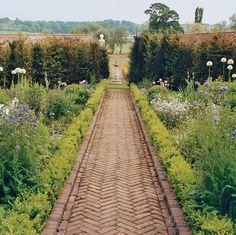 Stella McCartney's garden - sundial walk