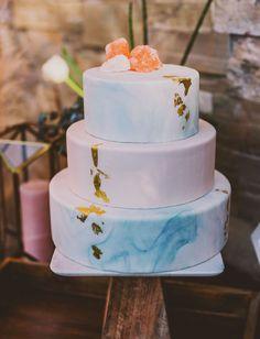 pantone color cake