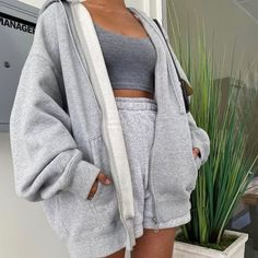 Cute Lazy Outfits, Chill Outfits, Mode Outfits, Retro Outfits, Trendy Outfits, Summer Outfits, Vintage Outfits, Jogging Outfit Summer, Grunge Outfits