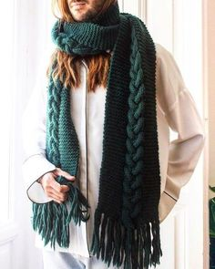 Intermediate levelThe kit contains:* 4 Skeins of Petite Wool gr).* 8 mm / UK 0 / US 11 wooden knitting needles. Fall Fashion Outfits, Diy Fashion, Autumn Fashion, Diy Scarf, Wool Scarf, Womens Scarves, Knit Crochet, Clothes, Style