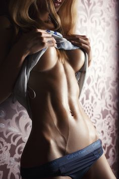 "hotfitdivas: "" hotinstagramchicks: ""The Vein. "" http://hotfitdivas.com/category/photos """