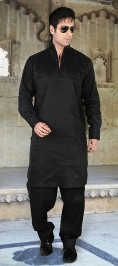 11185 Black and Grey color family Pathani Suit in Silk fabric with work. Black Suit Wedding, Wedding Suits, Wedding Dresses, Pathani For Men, Pathani Kurta, Kurta Pajama Men, Indian Groom Wear, Mens Kurta Designs, Men Design