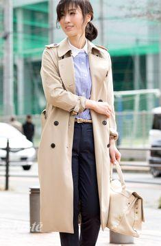 ブルー系のストライプシャツで爽やかにまとめたきちんとスタイル3 Work Wardrobe, Capsule Wardrobe, Japanese Beauty, Clothes For Women, Elegant, Coat, Womens Fashion, Pants, Jackets