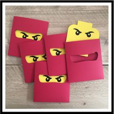 Voor een echte Legofan, ook leuk als uitnodiging voor een kinderfeestje Lego Ninjago Cake, Ninjago Party, Ninja Birthday Parties, Boy Birthday, Paper Stars, Spiderman, Diy Invitations, Party Themes, Cards