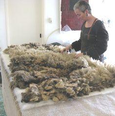 oh the possibilities! Sheep Crafts, Felt Crafts, Wool Art, Textiles, Felting Tutorials, Weaving Projects, Hobby Farms, Nuno Felting, Fabric Manipulation
