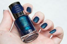 ! Mademoiselle Nostalgeek: [NOTD] Essence Aquatix - Under the Water