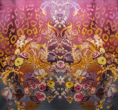 Trendy floral motif / Silk