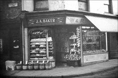 Bakers fruit and veg shop corner of Transport lane and The Strand