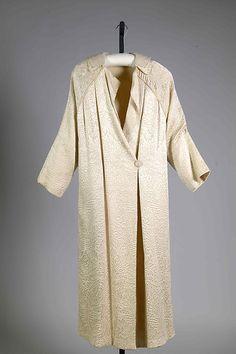 Evening coat Date: ca. 1920 Culture: American Medium: Silk Accession Number: 2009.300.7549