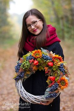 Autumn Decorating, Fall Decor, Outdoor Wreaths, Autumn Wreaths, Fall Harvest, Wreaths For Front Door, How To Make Wreaths, Grapevine Wreath, Diy Art