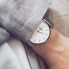 Details  #today #costume #suit #woman #ootd #fashion #fashionlovers #linen #watch #silver #jewelry #clusewatches #dutch #atwork #minimal #wearing #me #kostuum #instadaily