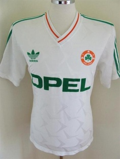 View more classic, retro, and new season Republic of Ireland (Eire) football T-shirts and soccer jerseys Classic Football Shirts, Football Tops, Jack Charlton, Adidas Vintage, Celtic Fc, Soccer Kits, Team T Shirts, Football Jerseys, Men's Fashion