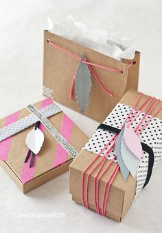 Fácil y Sencillo: DIY - Empaquetado Nórdico con Plumas / Nordic Neon Wrapping with Paper Feathers by www.facilysencillo.es