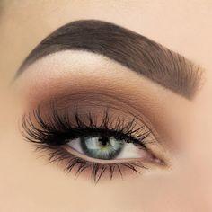 Maquiagem neutra com tons de marrom