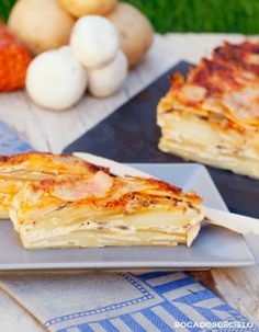 pastel de patata, champiñones y sobrasada