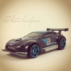 Aston Martin Vantage GT3 - 2015 Hot Wheels - HW Race - World Racers  #hotwheels | #diecast | #toys | #AstonMartin | #hwp2015ml