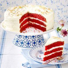 Samtige Textur, Knallerfarbe: So backt man Red Velvet Cake!