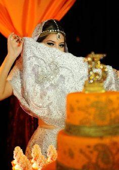 DEBUT PRINCESA INDIANA {15 ANOS} Uma viagem para a Índia em forma de festa. Comemorando os 15 anos com muito estilo e luxo, com um tema original e inovador. Are baba!