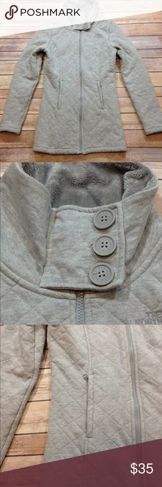The North Face Gray High Neck Fleece Lined Coat XS Gently used condition without flaws. Smoke Free Home. Let me know if you have any questions. The North Face Jackets & Coats