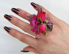 Cute ring corsage from silk flowers. Very Unique! could be gifts for the mothers... prom floral, idea, trend 2010, flower fashion, floral trend, prom flower, ring corsag, flowers, flower ring