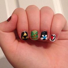 I love the little link tunic nail... I just got inspired