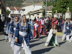 Moros, Cristianos y Diablos en Honor a la Virgen de la Cabeza (Zújar, Granada)   Las 7 Mejores Fiestas de España