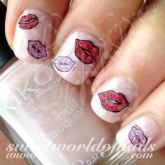 Valentine's Day Nail Art Glittery Red Pink Lips Nail Stickers - New Ideas Heart Nail Art, Heart Nails, Nail Water Decals, Nail Stickers, Christmas Manicure, Holiday Nails, Valentine's Day Nail Designs, Nails Design, Japanese Nail Art
