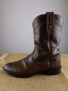 ARIAT Heritage Distressed Brown Leather Cowboy Boots Men 9.5 D Medium EU 42.5 #Ariat #CowboyWestern