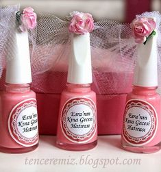 Quer uma dica de lembrancinha pro chá de lingerie? Que tal esmaltes personalizados? É pratico baratinho e muito útil!