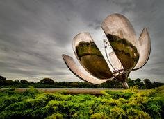 buenos aires flower sculpture - this sculpture opens during the day and closes at night. cool!