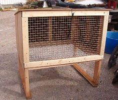 really simple rabbit hutch idea Meat Rabbits, Raising Rabbits, Bunny Cages, Rabbit Cages, Guinea Pig Toys, Guinea Pigs, Flemish Giant Rabbit, Outdoor Rabbit Hutch, Bunny Hutch