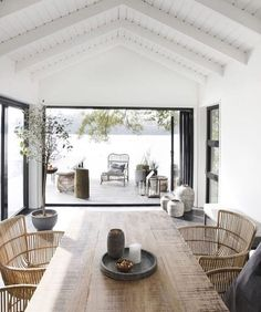 Easy And Cheap Cool Tips: Natural Home Decor House Living Rooms natural home decor ideas hanging plants.Natural Home Decor Ideas Beams clean natural home decor.Natural Home Decor Rustic Bedrooms. House Doctor, Style At Home, Bohemian House, Wooden Dining Tables, Rustic Table, Rustic Baskets, Dinning Table, Dining Area, Dining Chairs