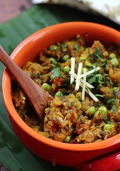 'Baingan-ka-Bartha' - Smoky and Spicy Eggplant-Mash - Akshayapaatram: