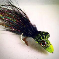 3/0 pike diver. #flytying #flyfishing #deerhairdiver #streamerjunkie #pikefly