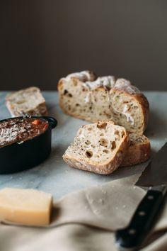 no knead rustic bacon bread.