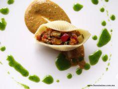 Pasta conchiglioni con ratatouille y salsa romesco al chipotle #bocadillos #pasta #buonissimomexico #chalupinski