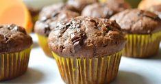 Csokis-banános-kakaós muffin recept képpel. Hozzávalók és az elkészítés részletes leírása. A csokis-banános-kakaós muffin elkészítési ideje: 30 perc Gourmet Recipes, Diet Recipes, Health Eating, Eat Dessert First, Cooking With Kids, Winter Food, Ham, Fudge, Food Porn