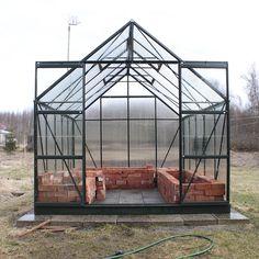 Kasvihuoneen keväthuolto - Kivikangas