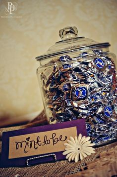cute...I would maybe put something like this at our wedding card/guestbook table by saronabm