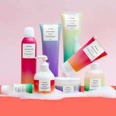 9 inspiring packaging design trends for 2019 Gradient makeup branding Skincare Packaging, Cosmetic Packaging, Beauty Packaging, Product Packaging, Food Packaging, Design Package, Label Design, Branding Design, Branding Agency