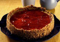 Com castanha-de-caju, açúcar mascavo e aveia na massa, esse cheesecake só fica ainda melhor com a calda de goiabada!