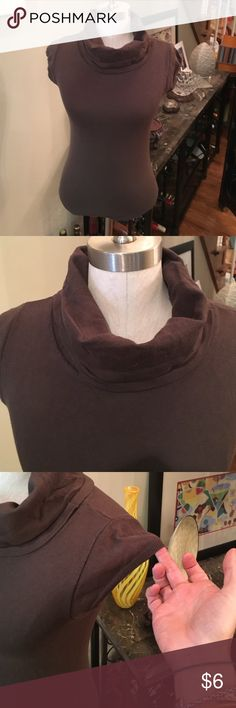 Sz med. top in brown. Short sleeve w/ cowl neck This brown, cap sleeve top has a bust of  30 inches and has stretch. GAP Tops Tees - Short Sleeve