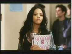 This Royal Twist folder looks great in the arms of Maya on PLL.