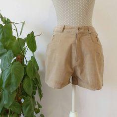 2423d82c08 14 imágenes estupendas de pantalon corto de mujer en 2019