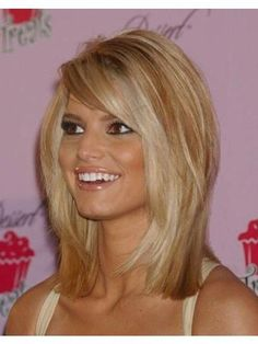 Jessica Simpson Medium Length Full Lace Straight Human Wigs - October 05 2019 at Bob Hairstyles For Fine Hair, Short Hair Updo, Hairstyles Haircuts, Short Hair Cuts, Bob Haircuts, Teenage Hairstyles, Black Hairstyles, Straight Haircuts, Flip Hairstyle