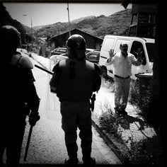 La batalla del Pozo Santiago - reportaje de Javier Bauluz en Periodismo Humano. Lo que no cuentan los medios secuestrados...
