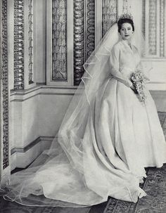 trivia about wedding dresses