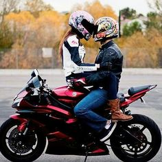 motorcycle couple couple on a motorcycle cute couples pictures