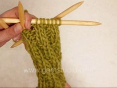 Knitted Rib - displaced - Video tutorial by #DROPSDesign #Garnstudio Perfect on a tube sock! See example of use here: www.garnstudio.com/lang/no/visoppskrift.php?d_nr=106_id=18=no